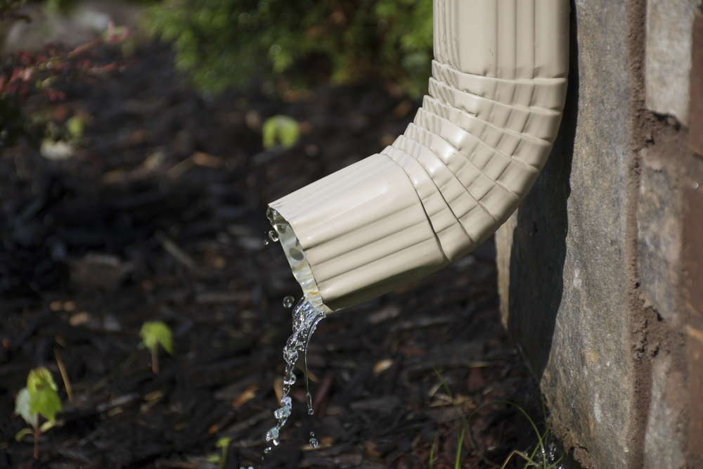 downspouts-and-rain